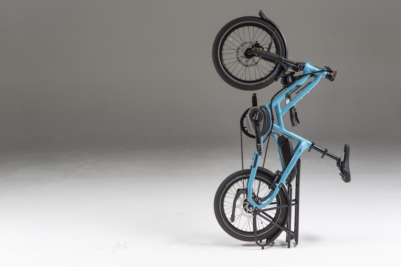 The HSD can standing on its rear rack