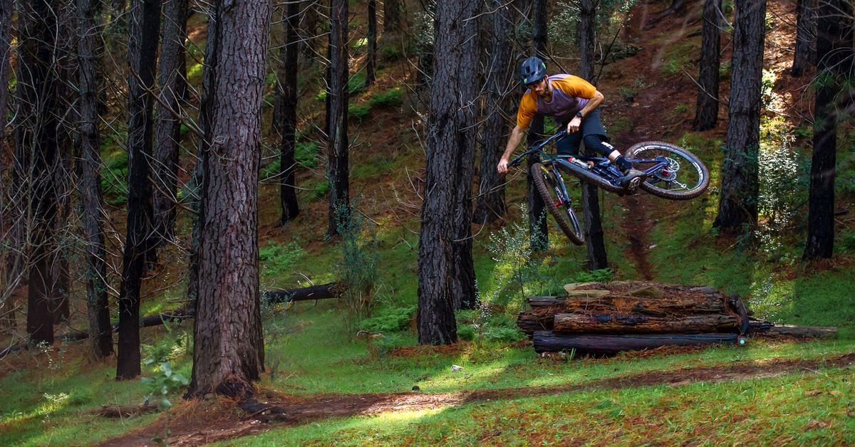 Video: Connor Fearon Aboard the Kona Remote 160 DL eMTB