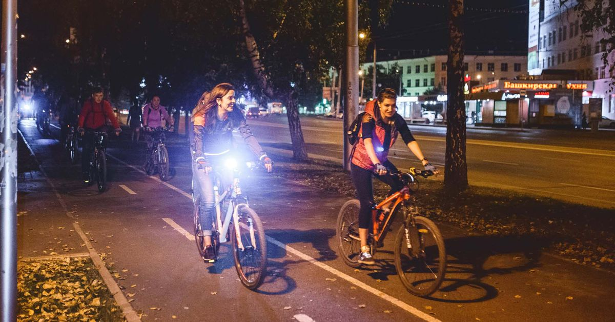 3 Easy Ways to Light Up Your Bike Commute